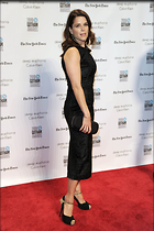 Celebrity Photo: Neve Campbell 1200x1800   245 kb Viewed 79 times @BestEyeCandy.com Added 84 days ago