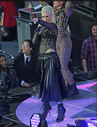 Celebrity Photo: Gwen Stefani 1800x2347   874 kb Viewed 54 times @BestEyeCandy.com Added 465 days ago