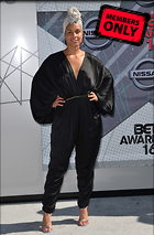 Celebrity Photo: Alicia Keys 3281x5000   2.0 mb Viewed 8 times @BestEyeCandy.com Added 647 days ago