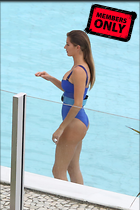 Celebrity Photo: Gisele Bundchen 2135x3200   1.9 mb Viewed 1 time @BestEyeCandy.com Added 21 days ago