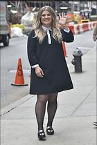 Celebrity Photo: Kelly Clarkson 1200x1800   231 kb Viewed 94 times @BestEyeCandy.com Added 250 days ago