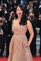 Celebrity Photo: Aishwarya Rai 1707x2560   678 kb Viewed 97 times @BestEyeCandy.com Added 682 days ago