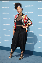 Celebrity Photo: Alicia Keys 2100x3150   870 kb Viewed 54 times @BestEyeCandy.com Added 251 days ago