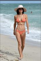 Celebrity Photo: Bethenny Frankel 1200x1752   294 kb Viewed 48 times @BestEyeCandy.com Added 441 days ago