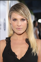 Celebrity Photo: Ali Larter 800x1199   93 kb Viewed 157 times @BestEyeCandy.com Added 279 days ago