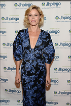 Celebrity Photo: Julie Bowen 13 Photos Photoset #323226 @BestEyeCandy.com Added 997 days ago
