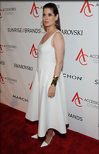 Celebrity Photo: Debra Messing 2100x3240   904 kb Viewed 98 times @BestEyeCandy.com Added 232 days ago