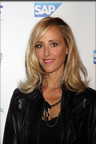 Celebrity Photo: Kim Raver 2400x3600   1,047 kb Viewed 59 times @BestEyeCandy.com Added 147 days ago