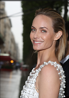 Celebrity Photo: Amber Valletta 16 Photos Photoset #329261 @BestEyeCandy.com Added 620 days ago