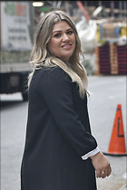Celebrity Photo: Kelly Clarkson 1200x1800   204 kb Viewed 74 times @BestEyeCandy.com Added 219 days ago