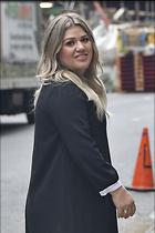 Celebrity Photo: Kelly Clarkson 1200x1800   204 kb Viewed 86 times @BestEyeCandy.com Added 250 days ago
