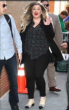 Celebrity Photo: Kelly Clarkson 1200x1904   393 kb Viewed 69 times @BestEyeCandy.com Added 219 days ago